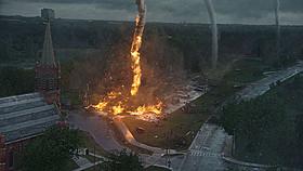 いくつもの巨大竜巻が同時発生して街に襲来する!「イントゥ・ザ・ストーム」