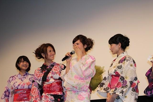 坂口杏里、感極まり号泣 初主演作完成披露に「不安、怖い、ドキドキ」