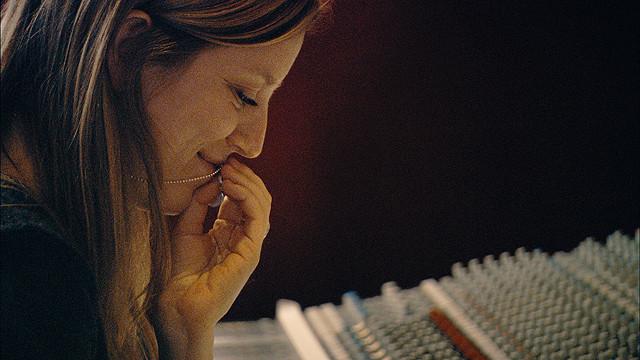 サラ・ポーリー「物語る私たち」でひも解く自身の出生の秘密と母の恋