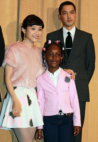 高橋愛「古里の大切さ感じた」初主演映画「カラアゲ☆USA」待望の封切りに感激