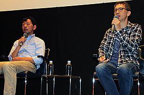 自主映画企画を語る矢口史靖監督(右)と鈴木卓爾監督「カメレオンマン」
