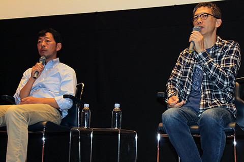 自主映画企画を語る矢口史靖監督(右)と鈴木卓爾監督