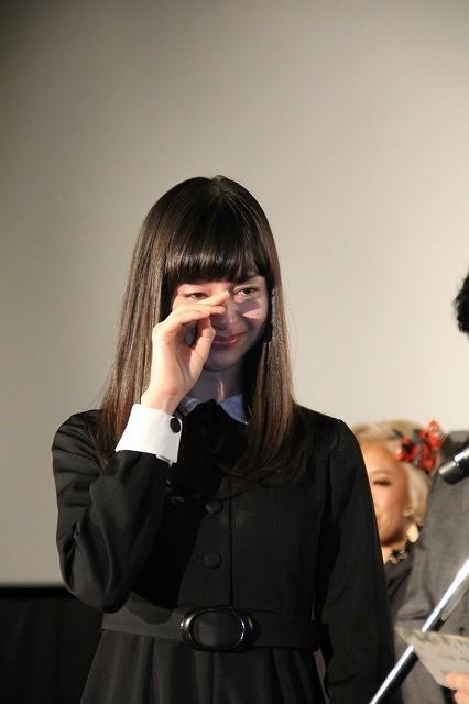 「零」主演の中条あやみ、安里監督の手紙に涙
