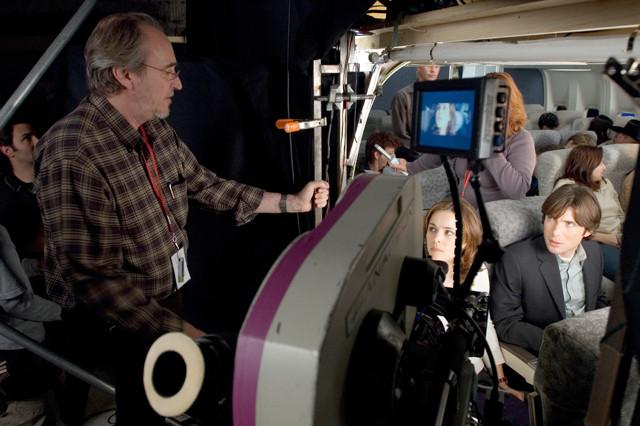 映画スタジオが飛行機恐怖症克服講座を実施