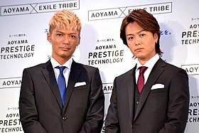 スーツ新商品のイメージキャラクターを務めるTAKAHIRO(右)とSHOKICHI「カサブランカ」
