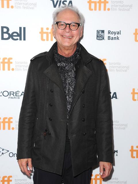 ジェニファー・ロペス主演ドラマ、「レインマン」のバリー・レビンソンが監督