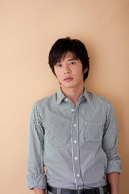 田中圭が1人3役! 主演ドラマ「びったれ!!!」が2015年1月から放送開始決定