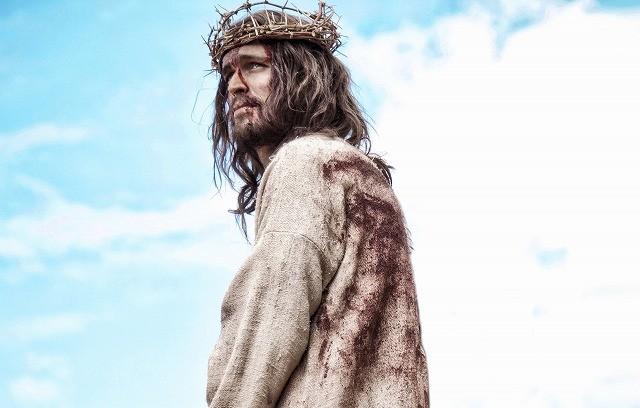 「イケメンすぎる」キリストが奇跡を起こす「サン・オブ・ゴッド」予告編を入手!