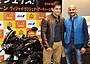 インドの国民的俳優アーミル・カーン「チェイス!」で初来日に女性ファン熱い声援