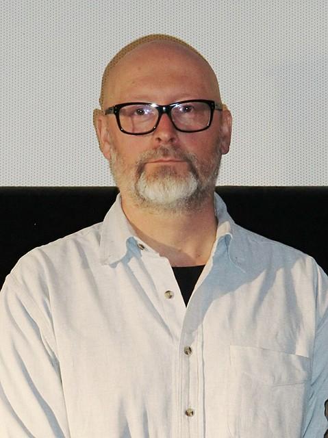 アルコール依存をリアルに描くポーランド映画監督「老若男女、貧富も関係ないすべての人間の問題」
