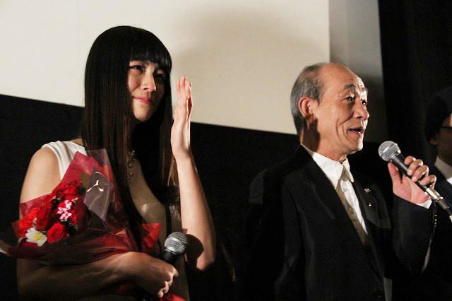 瀧内公美、主演作公開で号泣「小さい頃の夢かなった」