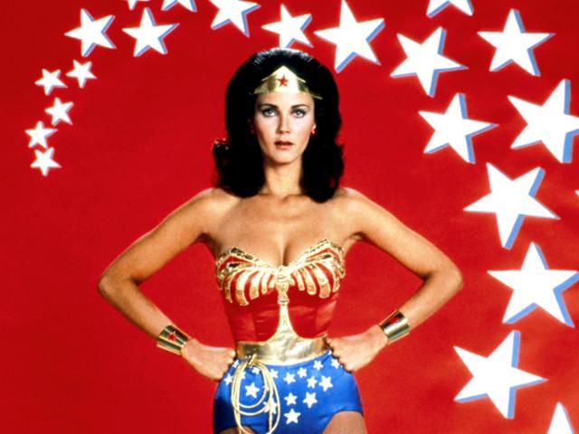 「ワンダーウーマン」スピンオフ映画、スタジオが女性監督を希望