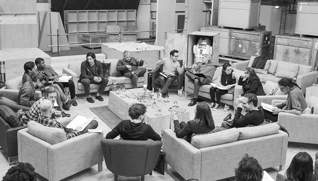 「スター・ウォーズ エピソード7」キャスト陣、クランクアップ祝う打ち上げ開催