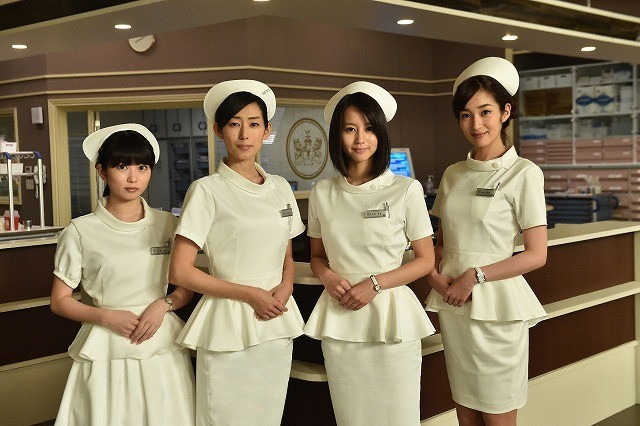 高梨臨&志田未来、看護師役に初挑戦!堀北真希とともにナース服姿を披露