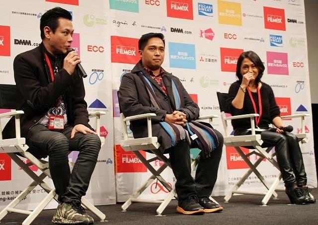 (左から)R・S・フランシスコ、フランシス・セイビヤー・パション監督、 アンジェリ・バヤニ