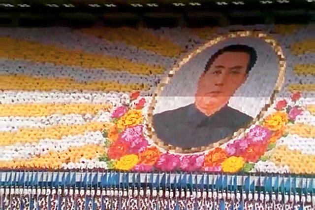 「金日成のパレード」の一場面