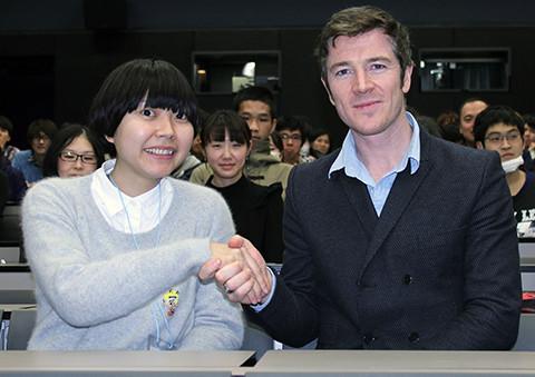 ケン・ローチ最新作の主演俳優バリー・ウォード、日本の学生映画祭に飛び入りしご機嫌