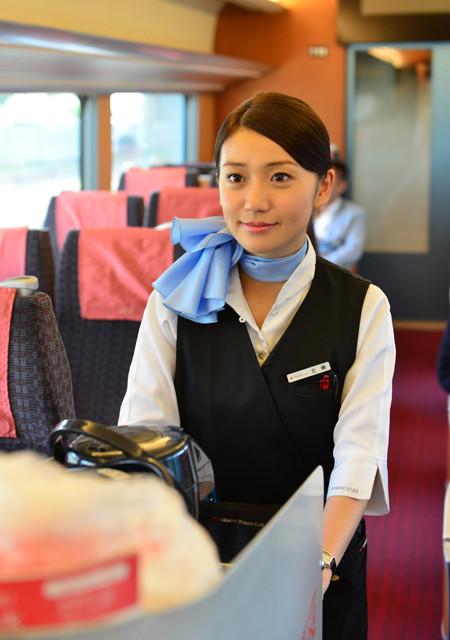 大島優子、AKB48卒業後初の映画主演!タナダユキ監督作でロマンスカーのアテンダント役