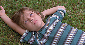 「6才のボクが、大人になるまで。」の一場面「バードマン あるいは(無知がもたらす予期せぬ奇跡)」
