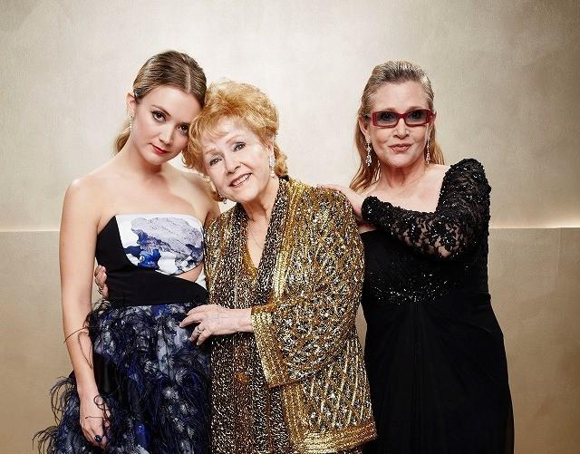 ビリー・ロード(左)も女優に! 祖母D・レイノルズ(中央)&母C・フィッシャーも鼻高々?