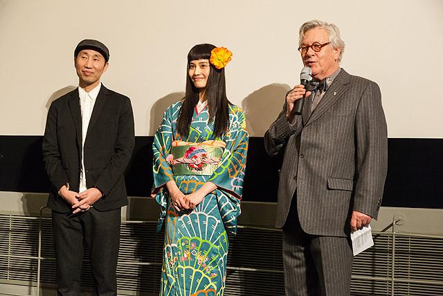 橋本愛、華やかなアンティークの着物姿でベルリン映画祭に初参加