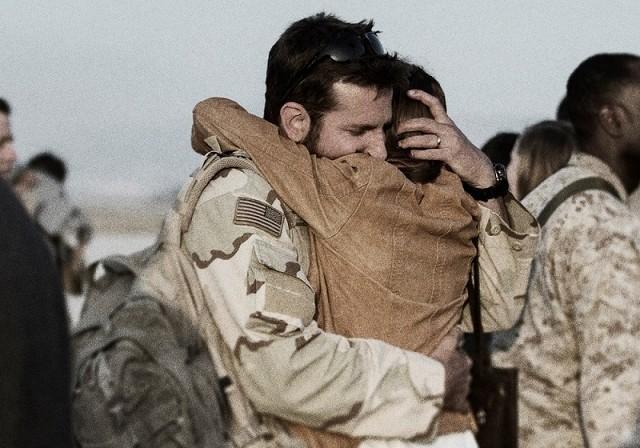 戦争と家族の間で揺れる男の葛藤を映した「アメリカン・スナイパー」本編映像公開