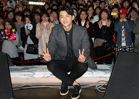 韓国の人気歌手で俳優のソ・イングク