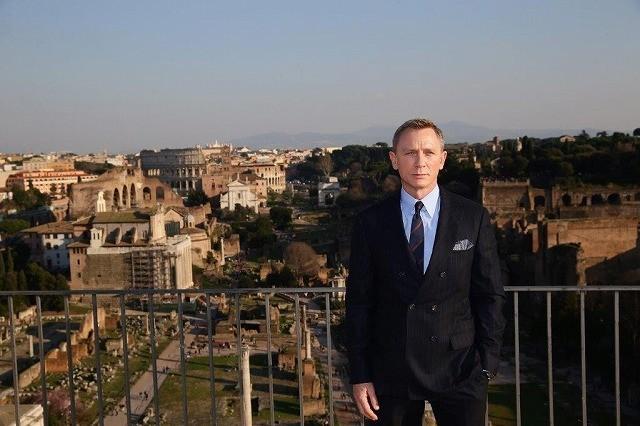 「007」最新作ではボンドの少年時代が明らかに?メンデス監督ビデオブログで語る