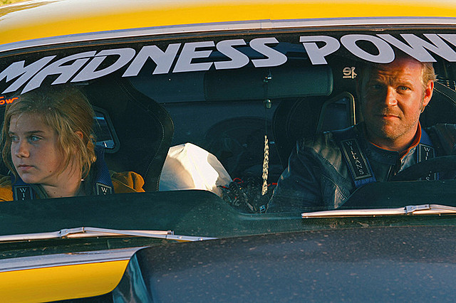 スカンジナビア半島縦断2200キロ! 北欧初の爆走レース映画「キャノンレース」予告