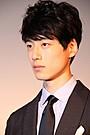 坂口健太郎、ウーマン村本の銀幕デビュー作「まだ見ていない」に苦笑い