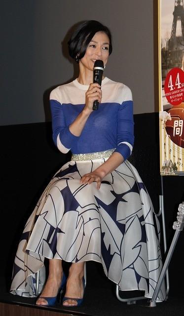 鈴木保奈美、櫻井翔も驚く嵐ファンぶりを告白「かなり歌います」