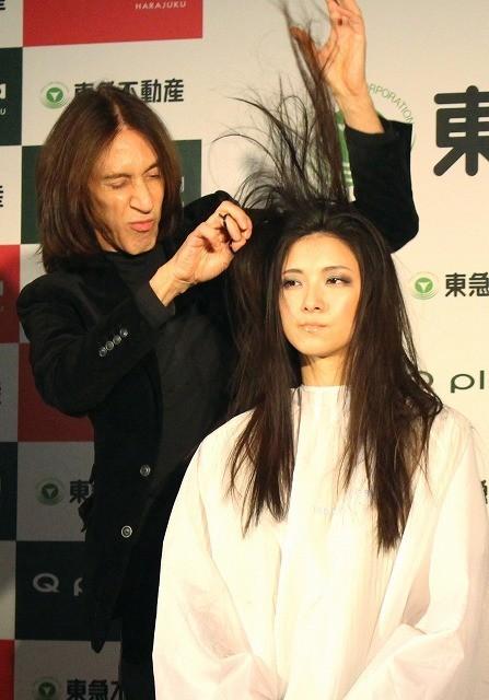 「シザーハンズ」モデルの美容師来日! ジョニデさながらの大胆カットを生披露