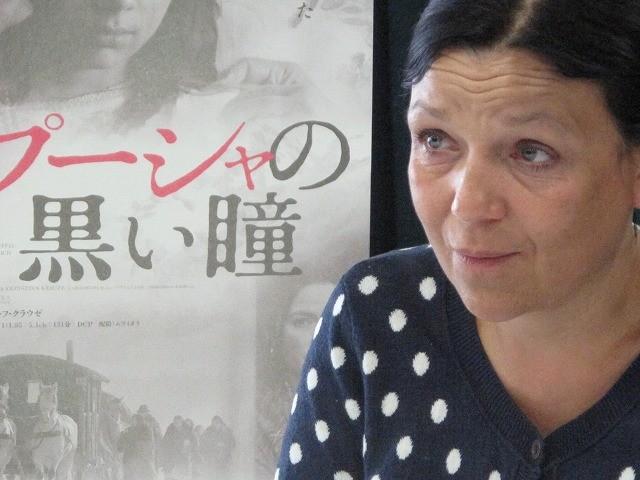実在のジプシー女性詩人を描いた「パプーシャの黒い瞳」ヨアンナ・コス監督に聞く