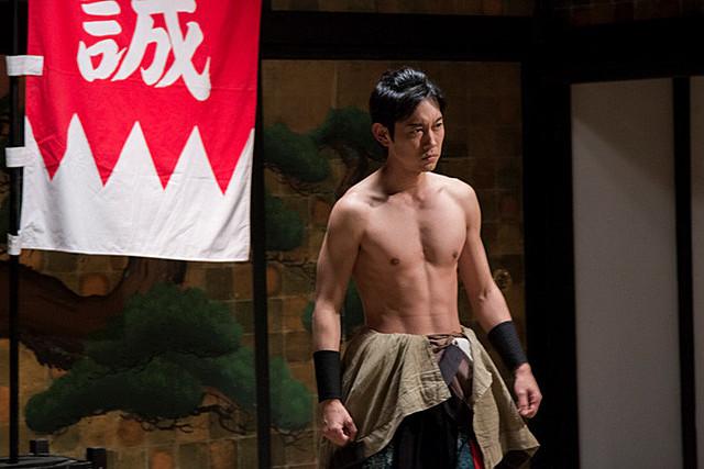 川岡大次郎「新選組オブ・ザ・デッド」で肉体美を披露!役にかける思いも吐露