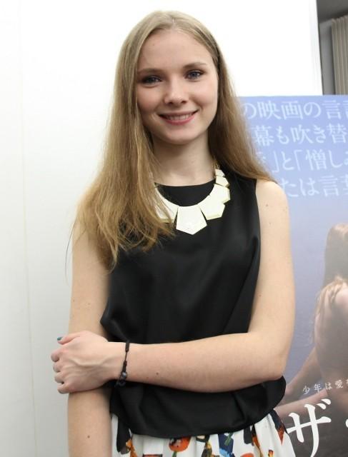 全編手話の「ザ・トライブ」で女優デビュー ヤナ・ノビコバが来日「夢をあきらめないで!」