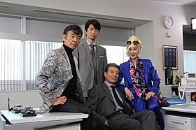 約30年間の付き合いとなった(左から) 柴田恭兵、仲村トオル、舘ひろし、浅野温子「さらば あぶない刑事」