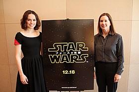 インタビューに応じたキャスリーン・ケネディ(右) と新ヒロインのデイジー・リドリー「スター・ウォーズ」