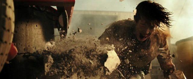 驚異の力が発動!「シグナル」監督がスローモーションで描く美しい破壊シーン