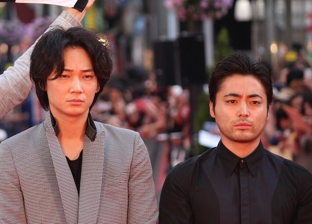 綾野剛、「新宿スワン」共演・山田孝之と入籍宣言!?「約2年後に」