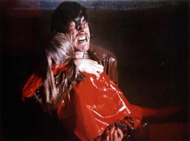 カルト映画「赤い影」がリメイク
