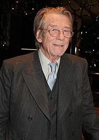 1位は英俳優ジョン・ハート「エイリアン」