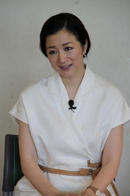 鈴木京香、慈愛に満ちた表情で「おかあさんの木」読み聞かせキャンペーン完遂! - 画像2