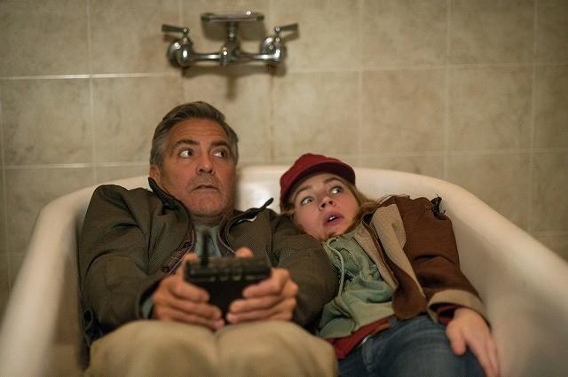 ジョージ・クルーニー、バスタブで脱出!?「トゥモローランド」アクション満載の最新映像