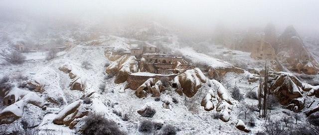 息をのむ美しさ! カンヌ最高賞受賞作「雪の轍」カッパドキアの冬景色写真公開