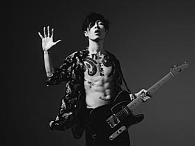 """""""サムライ・ギタリスト""""のMIYAVI「ミッション:インポッシブル ローグ・ネイション」"""