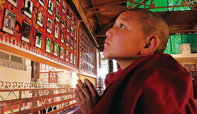 非暴力の闘いを続けるチベットの人々をとらえたドキュメンタリー「ルンタ」予告編