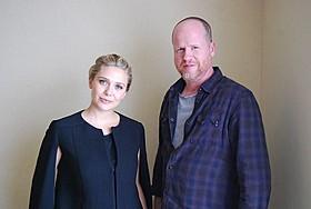 来日したジョス・ウェドン監督(右)&エリザベス・オルセン「アベンジャーズ」