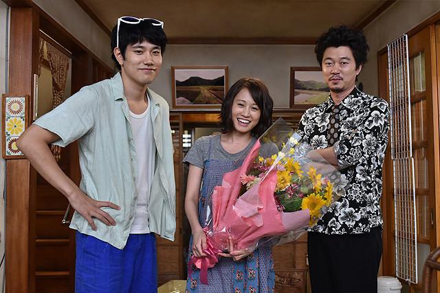 「ど根性ガエル」撮影現場で前田敦子の誕生祝い 松ケンが築地の魚介類贈る - 画像1