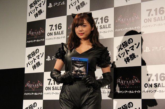 キャットウーマンコスプレの篠崎愛、バットマン新作ゲームは「ゲームも映画も超えた体験!」