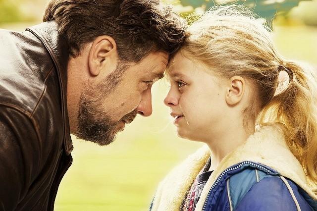 A・セイフライド×R・クロウが親子演じる感動作「パパが遺した物語」10月公開